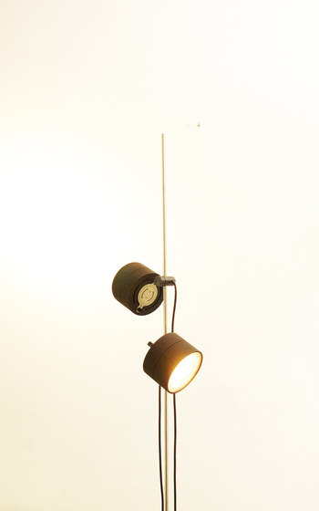 120S Duo Floor lamp di Ayal Rosin | Lampade piantana