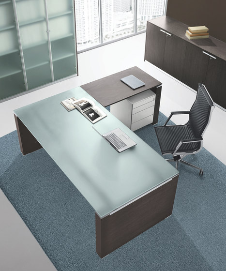 Jet by Bralco | Desks