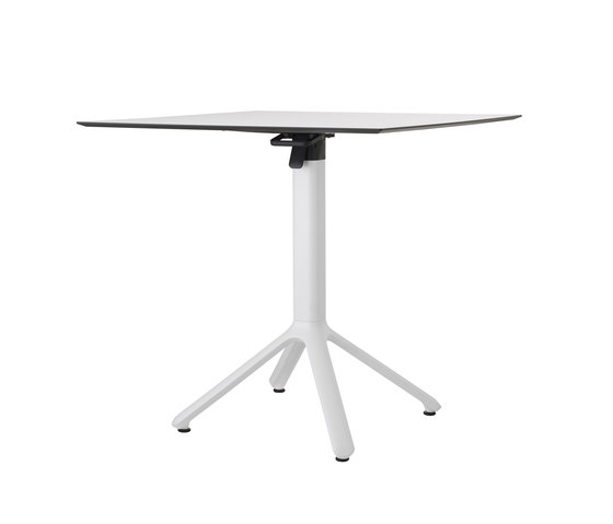 Nemo by Scab Design | Dining tables