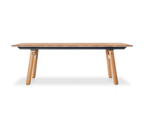 ESTUDIO | Oak de Girsberger | Dining tables