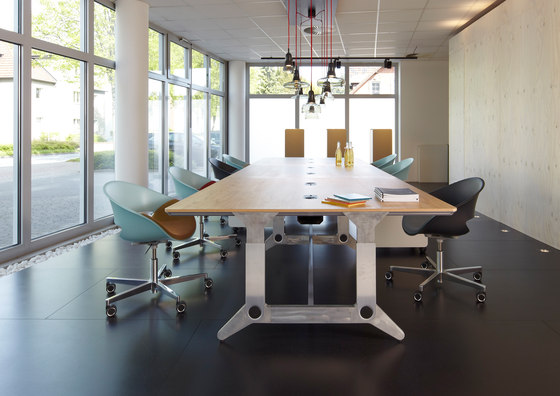 unit by planmöbel | Contract tables