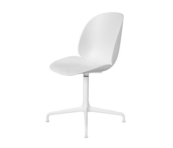 Beetle Chair – casted swivel base de GUBI | Sillas