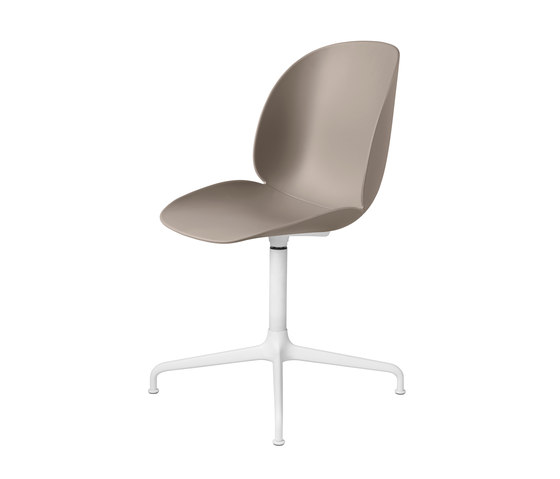 Beetle Chair – casted swivel base de GUBI   Sillas