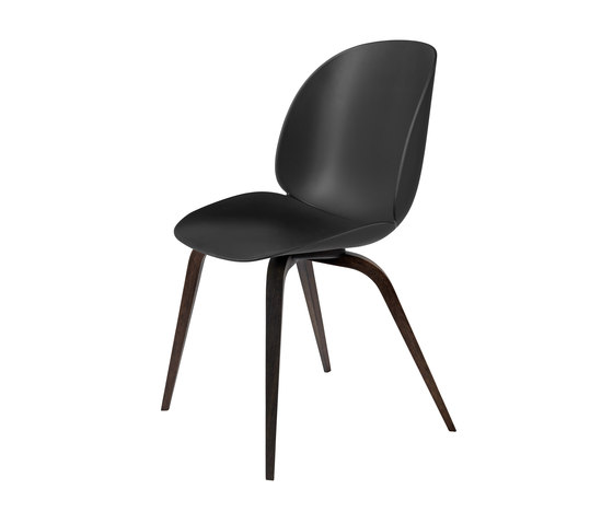 Beetle Chair – wood base de GUBI   Sillas