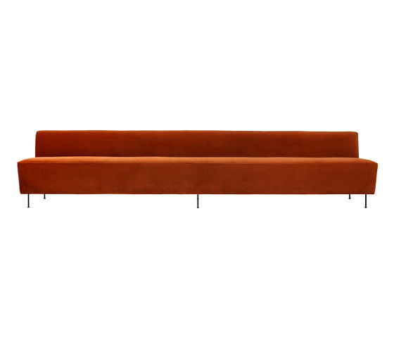 Modern Line Sofa - Dining Height de GUBI | Sofás