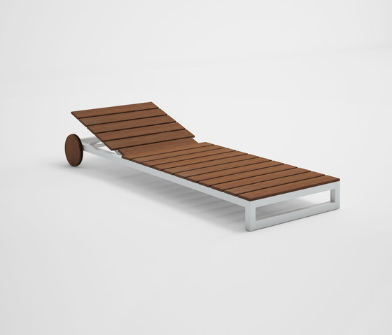 Saler Soft Teak Chaiselongue by GANDIABLASCO | Sun loungers