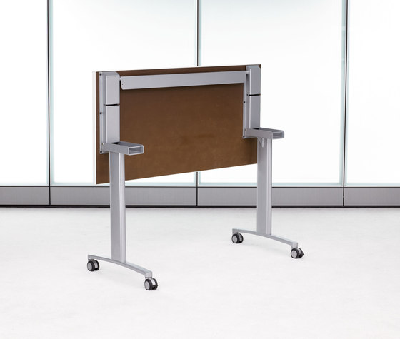 Expansion Training by Teknion | Contract tables