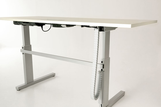 Complements by Teknion   Contract tables