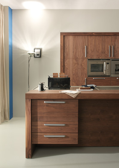 Life tall cabinets kitchen cabinets from riva 1920 for Lifestyle kitchen units