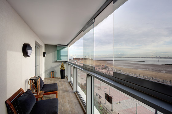 Balcony glasing SL 25 de Solarlux | Cerramientos para terrazas / aleros