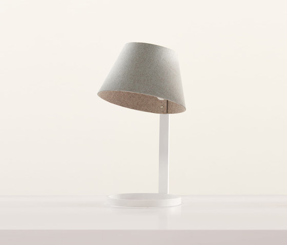Sanna Lamp von Teknion | Table lights