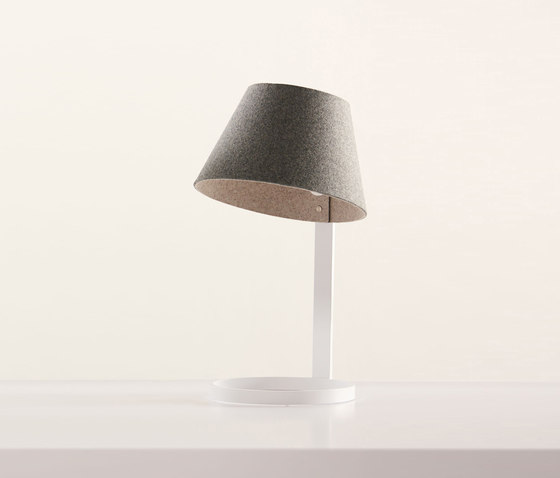 Sanna Lamp by Teknion | Table lights