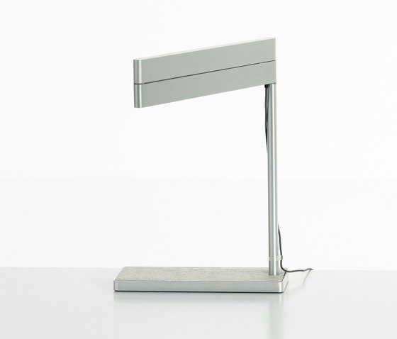 Sanna Lightbar by Teknion | Task lights