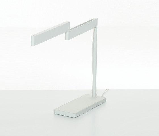 Sanna Lightbar by Teknion   Table lights