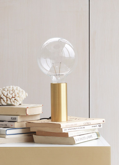 NEB Brasslamp di No Early Birds | Lampade tavolo