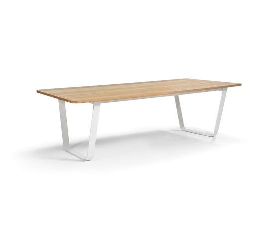 Air table by Manutti | Dining tables