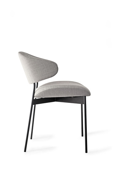 Luz with Armrest by more | Visitors chairs / Side chairs