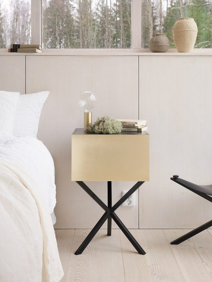 NEB Bedside Table | Storage Boxes 01 von No Early Birds | Nachttische