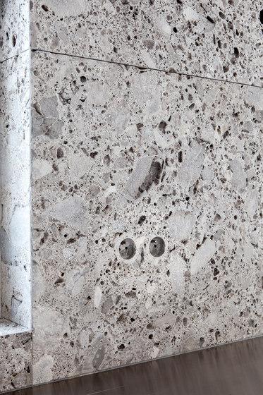 Lapris Plug Socket de Van den Weghe | Prises Schuko