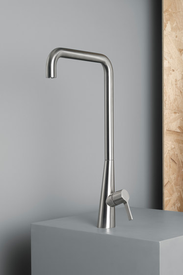 Volcano | Stainless steel Kitchen sink mixer by Quadrodesign | Wash basin taps