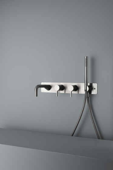 Volcano | Stainless steel Wall mounted 2 mixer set by Quadrodesign | Shower controls