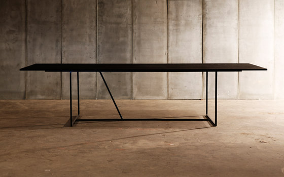 Mesa Nero table by Heerenhuis | Dining tables