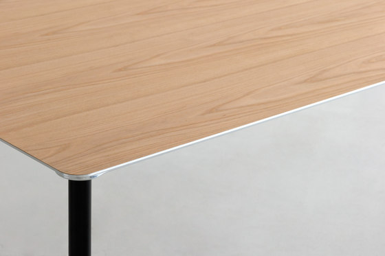 TEE | table by INTERIORS inc. | Desks