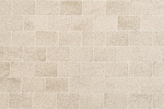 Urbino Kashmir beige, grained di Metten | Pavimenti calcestruzzo / cemento