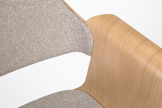 Flagship Arm chair von PlyDesign | Chairs