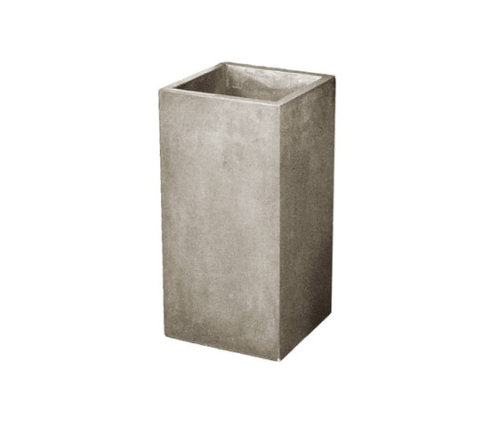 Urban Tall Square Pot de Kannoa | Contenedores / Cajas