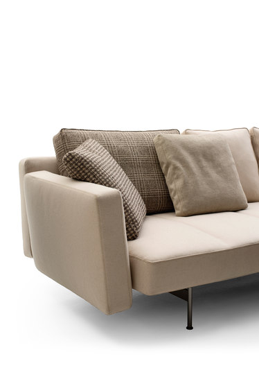 SAKé by B&B Italia | Sofas