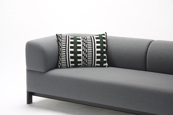 Elephant Sofa 3 Seater de Karimoku New Standard | Sofás