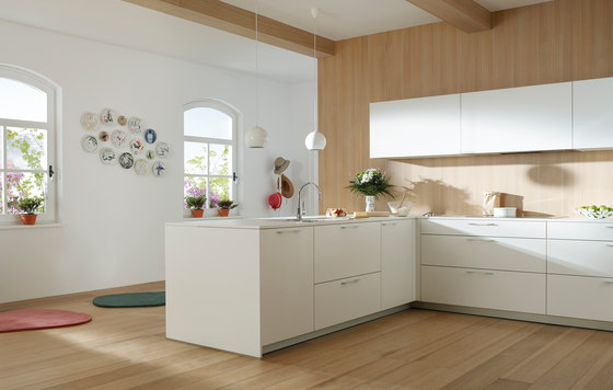 ARIANE 2 White Seff and Natural Oak by Santos | Fitted kitchens