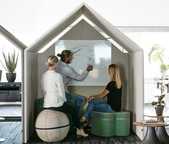The Hut Whiteboard by Götessons | Office Pods