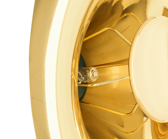 Void Surface Light Brass de Tom Dixon | Lámparas de pared
