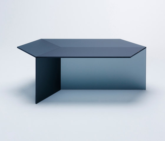 Isom Oblong - frosted black by NEO/CRAFT | Coffee tables