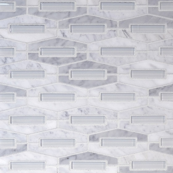 The Tile District | Montage-Elongated Hexagon in Carrara Marble with Super White Glass Insert di Tango Tile | Mosaici vetro