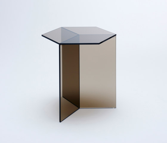Isom Tall - bronze by NEO/CRAFT | Side tables