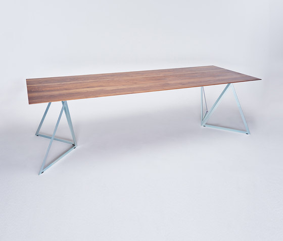 Steel Stand Table - silver galvanized/ walnut by NEO/CRAFT | Dining tables