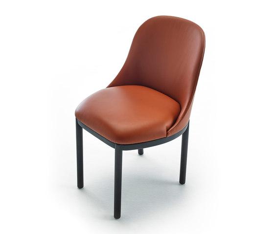 Aleta chair wooden base von viccarbe | Besucherstühle