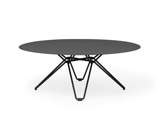 Tio Low Table D100 von Massproductions | Couchtische