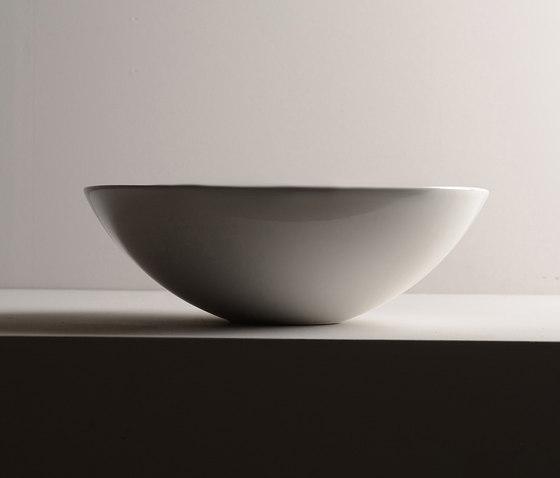 Pod Sink | 42 x 42 h15 by Valdama | Wash basins