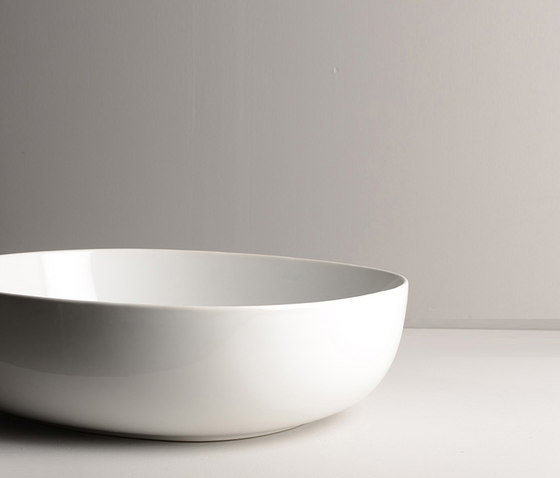 Pod Sink | 50 x 45 h15 by Valdama | Wash basins