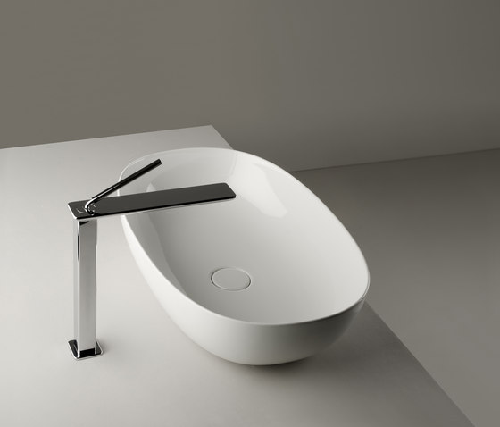 Pod Sink | 60 x 38 h15 by Valdama | Wash basins