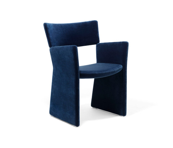 Crown Armchair de Massproductions | Chaises