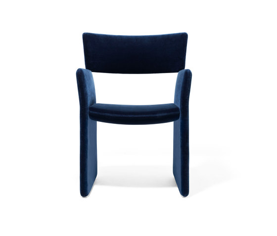 Crown Armchair de Massproductions | Sillas para restaurantes