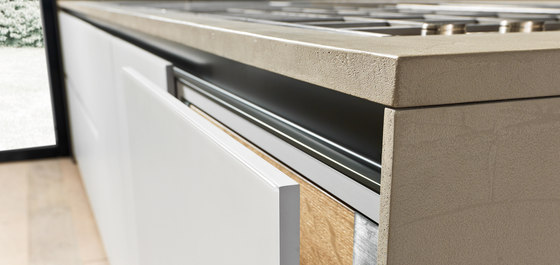 Silica peninsula by Comprex | Fitted kitchens