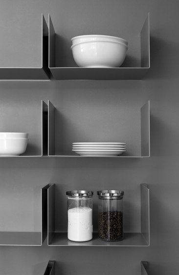 Noa | Shelf by Santa & Cole | Shelving