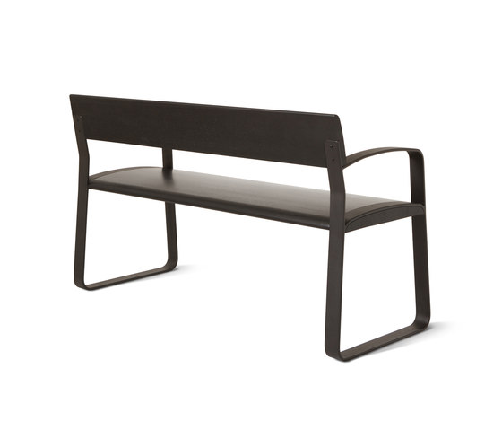 SO-420 by Balzar Beskow | Benches