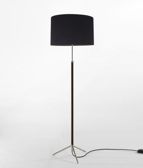 Pie de Salón | G2 | Floor Lamp by Santa & Cole | Free-standing lights